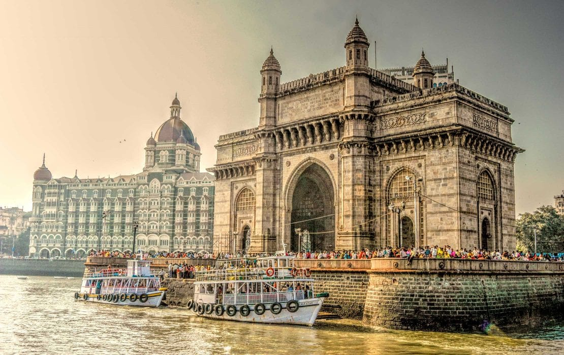 Mumbai Gateway of India and Hotel Taj