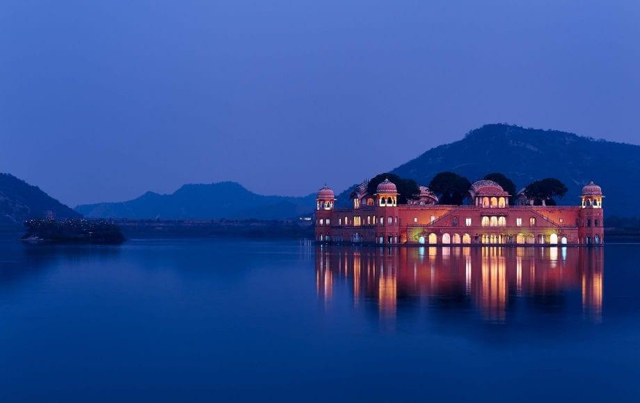 Beautiful Lake Scenery of Jaipur
