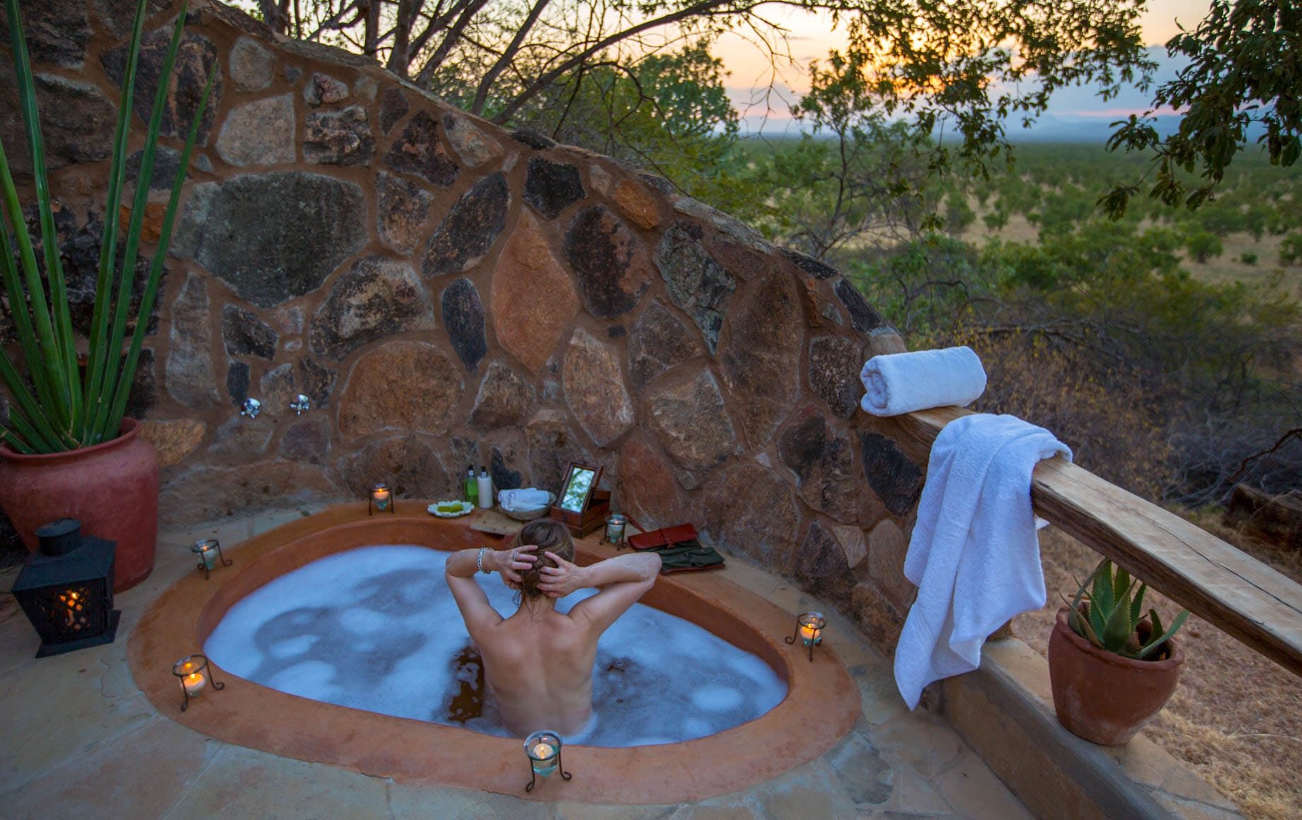 the hot tub at Elsa's Kopje