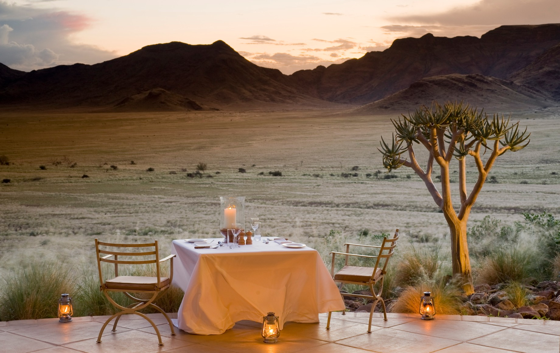 Dinner with a view of the mountains