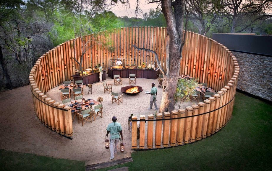 Outdoor dinner area at Tengile River Lodge