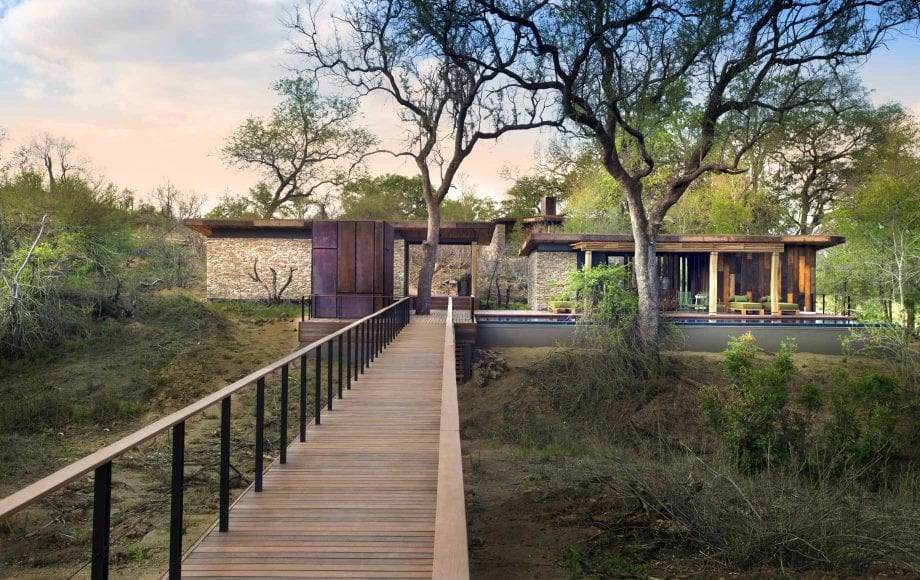 Exterior of Tengile River Lodge suite
