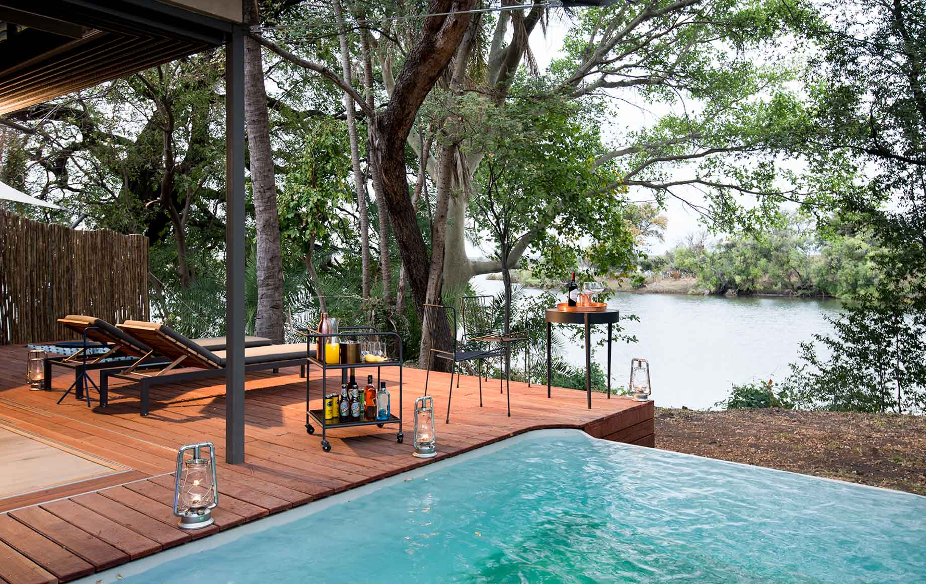 Pool deck of Thorntree River Lodge