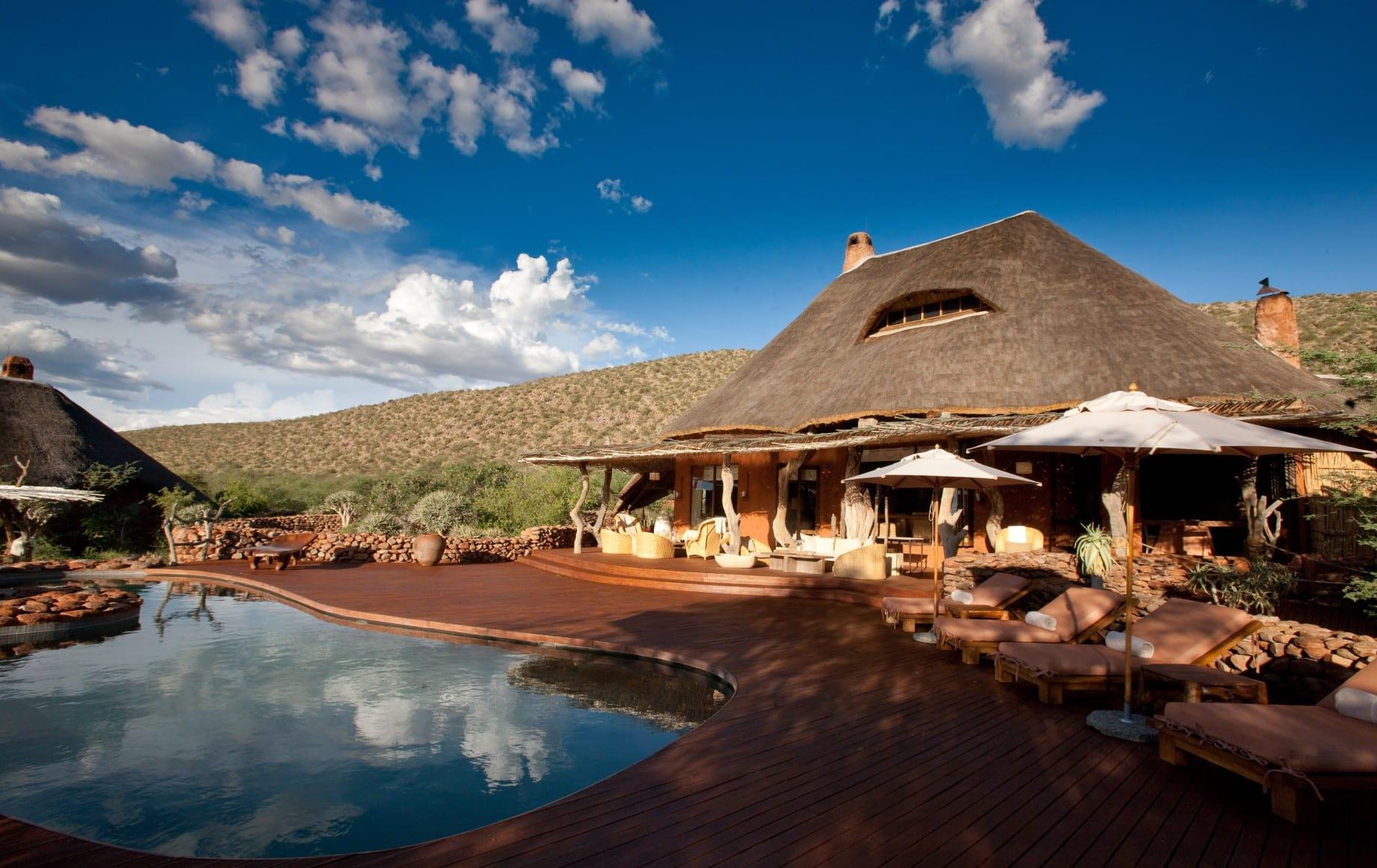pool during day at Tswalu Motse