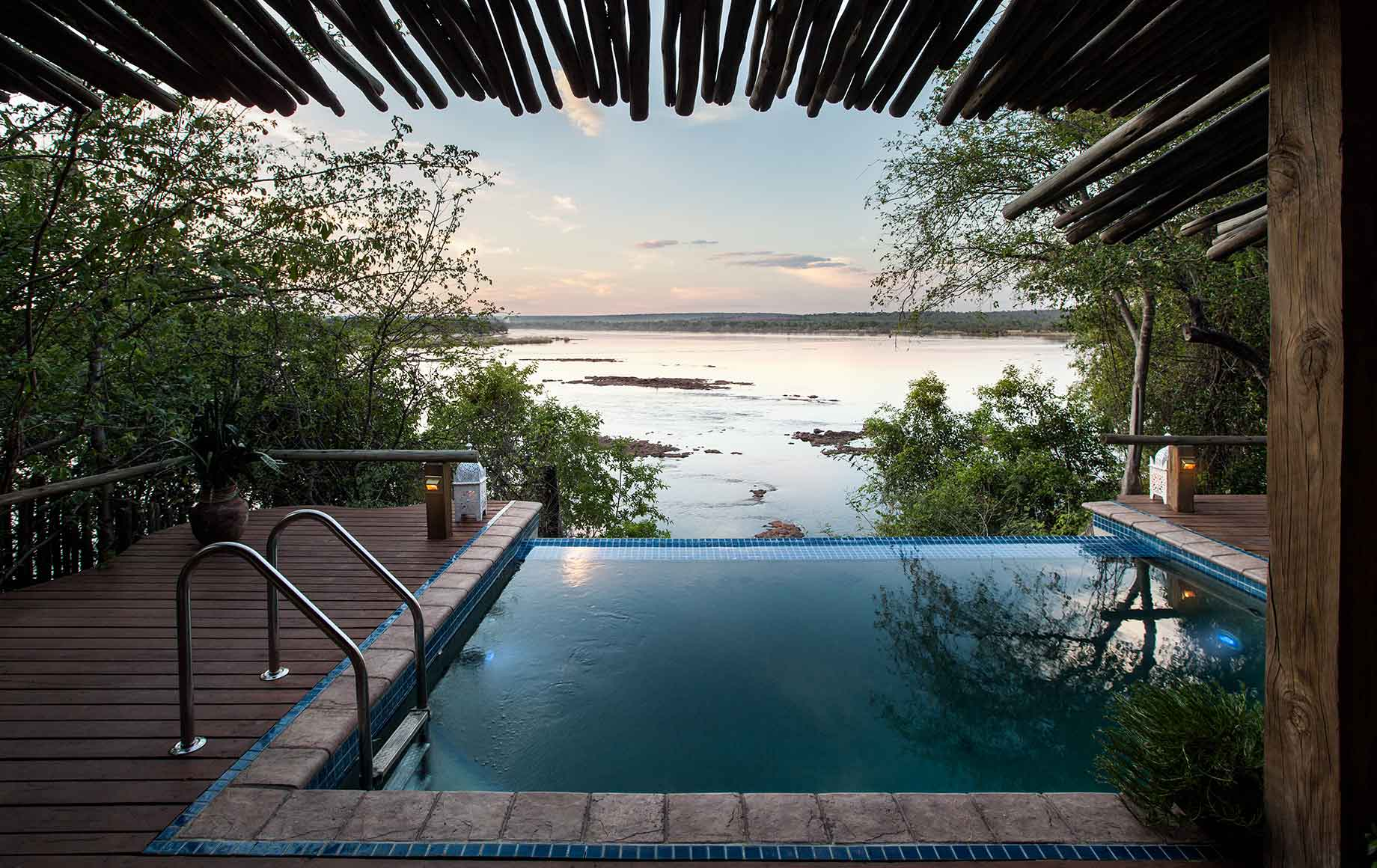 The infinity pool at Camp Tongabezi
