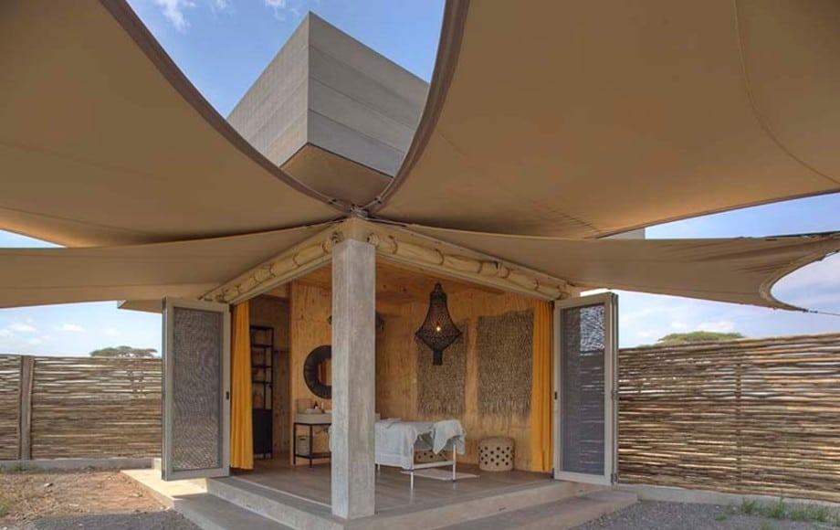 Namiri Plains hotel shade